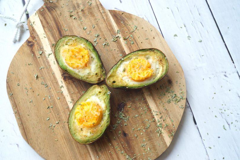 Avocado met ei uit de oven