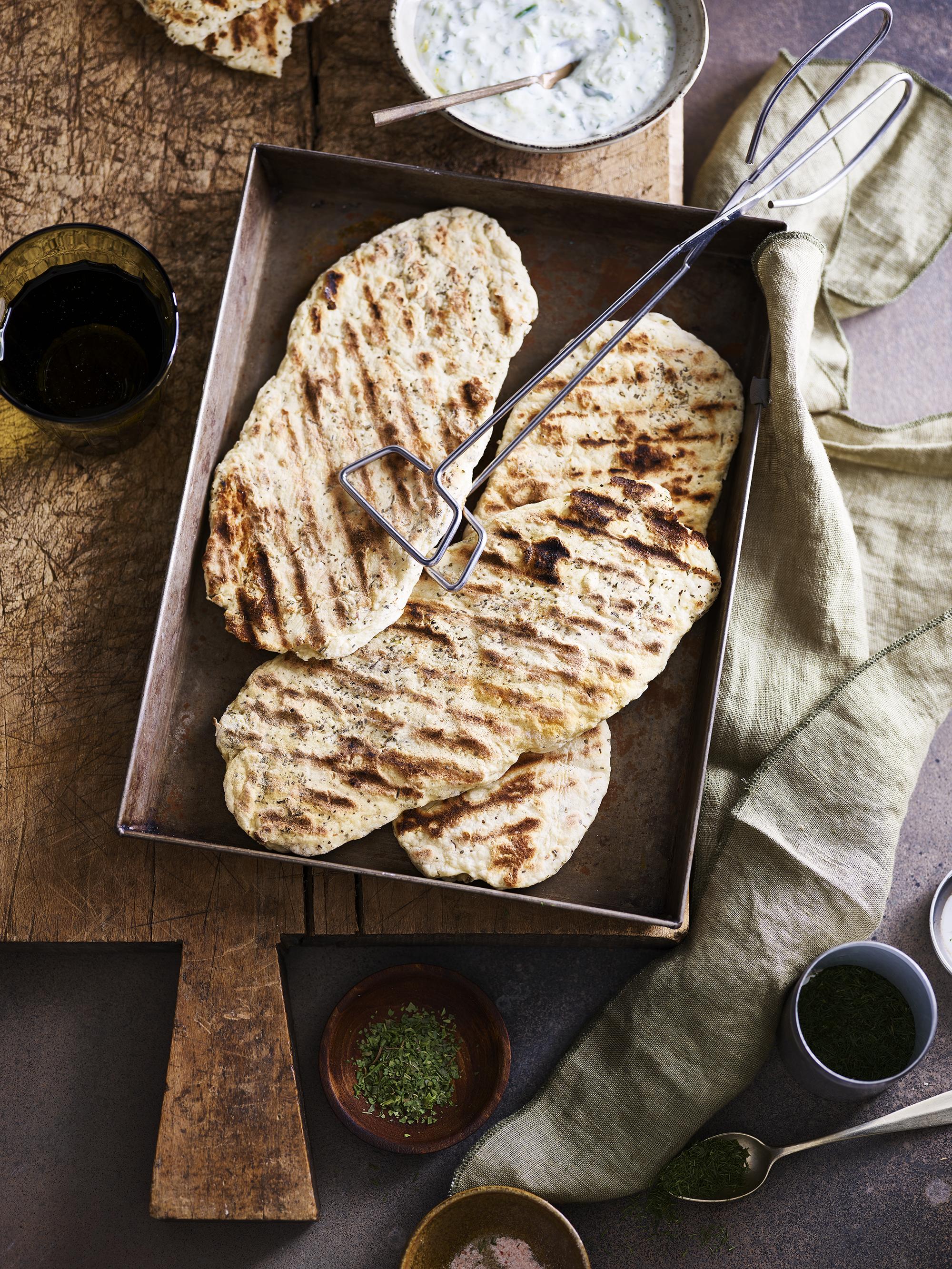 Italiaans gekruid naanbrood