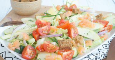 Maaltijdsalade met appel en zalm