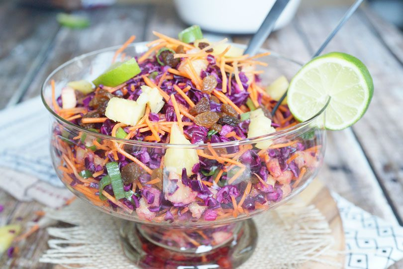 Salade van rodekool en ananas