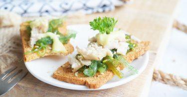 Feestelijke amuses - toast met tonijn