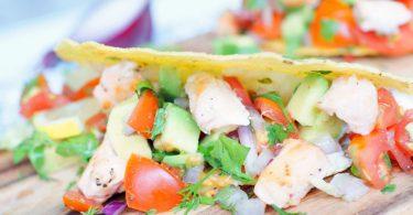Taco's met zalm en avocado