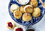 Zoete scones met clotted cream