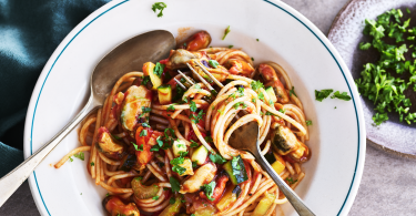 Mosselen met spaghetti en tomatensaus